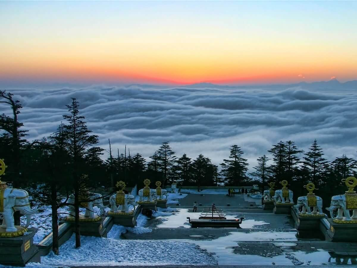 Mount Emei - China Tours